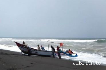 nelayan terhantam ombak di Nampu