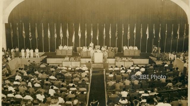 Konferensi-Asia-Afrika-di-Gedung-Merdeka-Bandung.-Arsip-Nasional-Republik-Indonesia