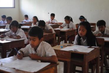 ujian-sekolah-sd-tlogolele-370x247