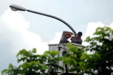 Lampu penerangan di jalur evakuasi