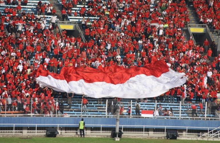 suporter sepak bola Indonesia