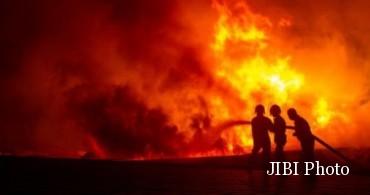 kebakaran lahan dan hutan di riau
