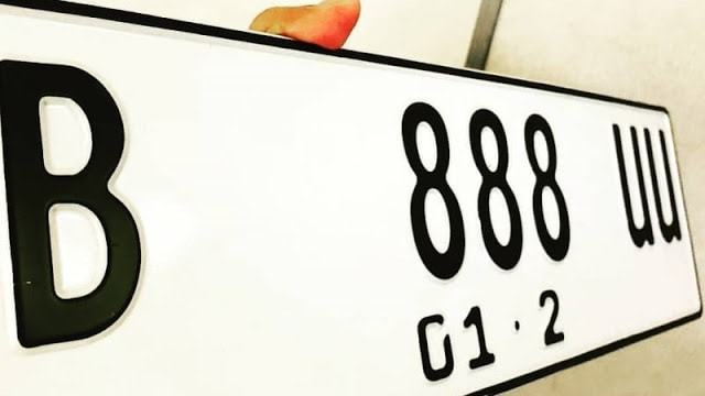 Warna dasar pelat nomor kendaraan rencananya akan diganti