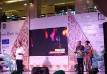 Haryadi Suyuti pada malam Pungkasan di Atrium Galeria Mall Rabu malam (31/10/2018)