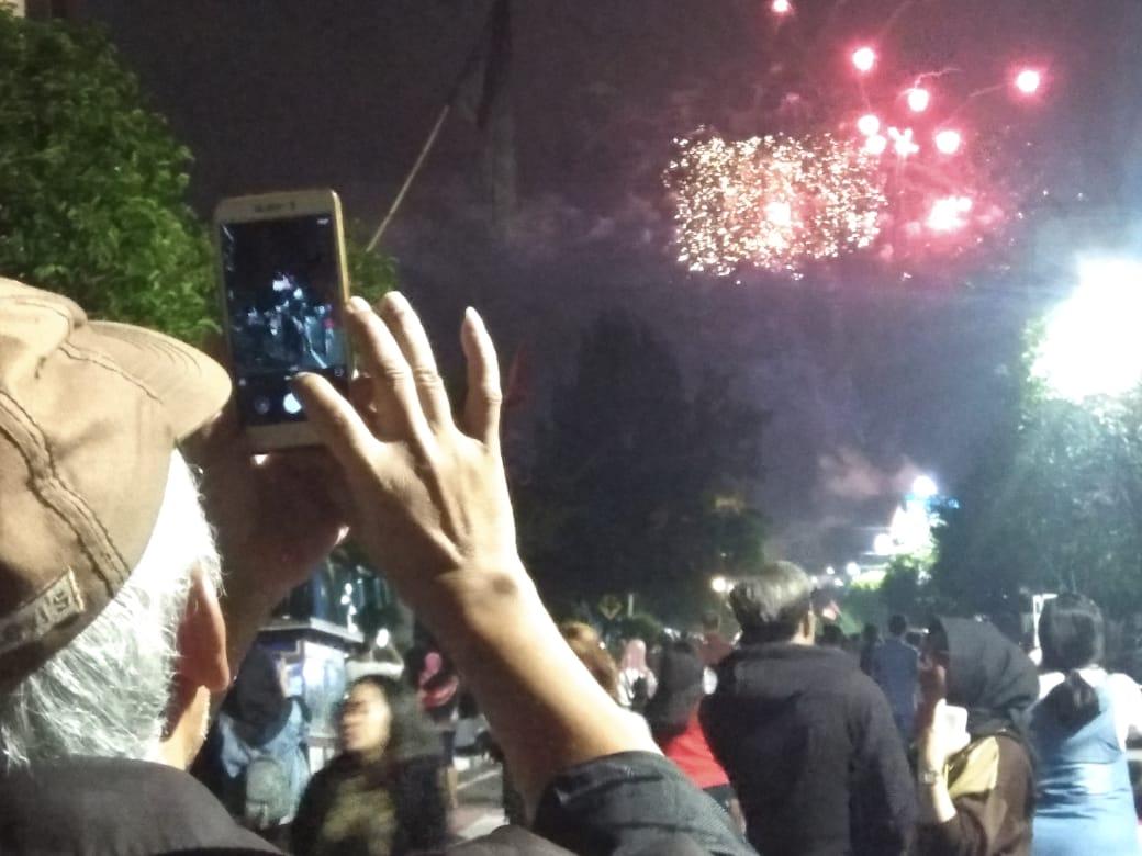 keramaian malam tahun baru