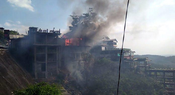 Bukit Bintang Terbakar