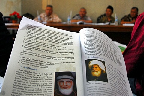 penulisan ulang buku agama