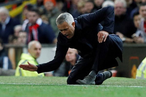 Tottenham Hotspur memecat mourinho
