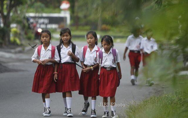 sekolah dibuka