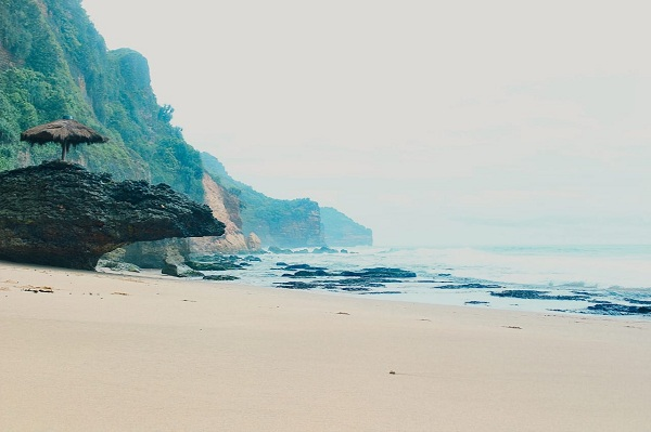 pantai tutup