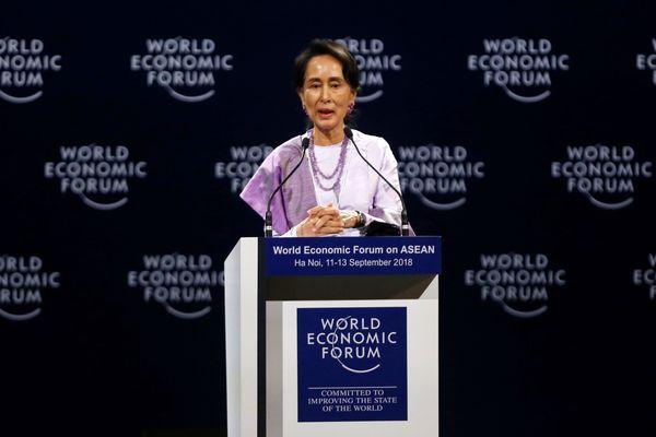 Aung San Suu Kyi korupsi