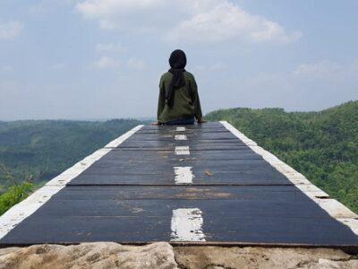 wisata Tebing Watu Mabur